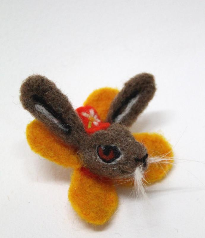 Hare Brooch Needlefelting Workshop with Ruth Packham